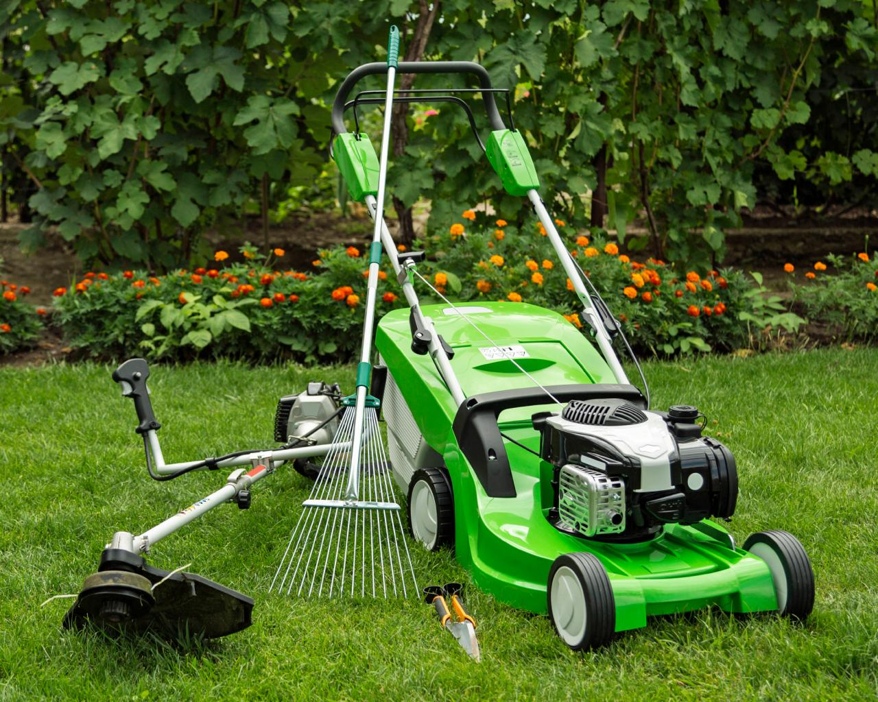 landscaping tools and equipment and their uses